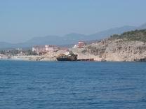 Strand mit Hauswrack
